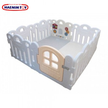 Haenim (Korea) Baby Play Yard Petit 8 Panels White + Foldable Play Mat