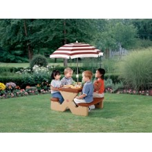 Step 2 Play N Shade Picnic Table