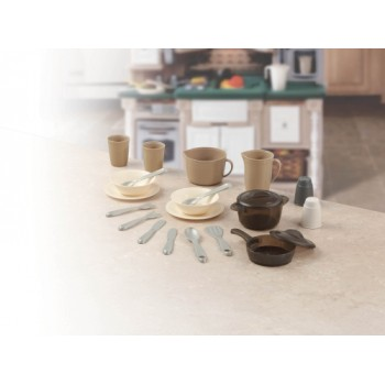 Step 2 LifeStyle™ Dining Room and Pots & Pans Set